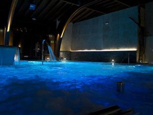 WELLNESSANLAGE & POOLS